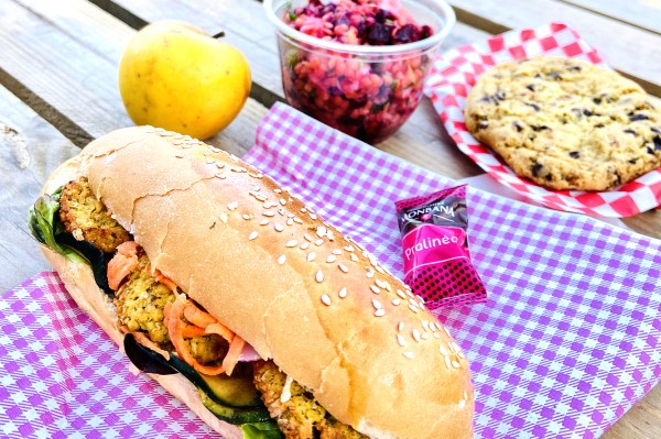 Salad Bowl (250g) + Sandwich + Cookie + Fruit BIO